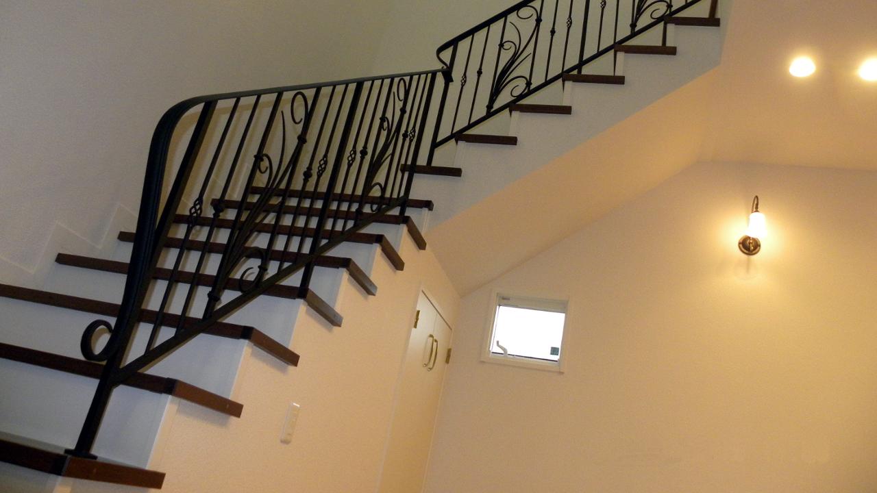 ロートアイアン階段手すり、階段手摺、エレガントでゴージャス,アイアン手すり