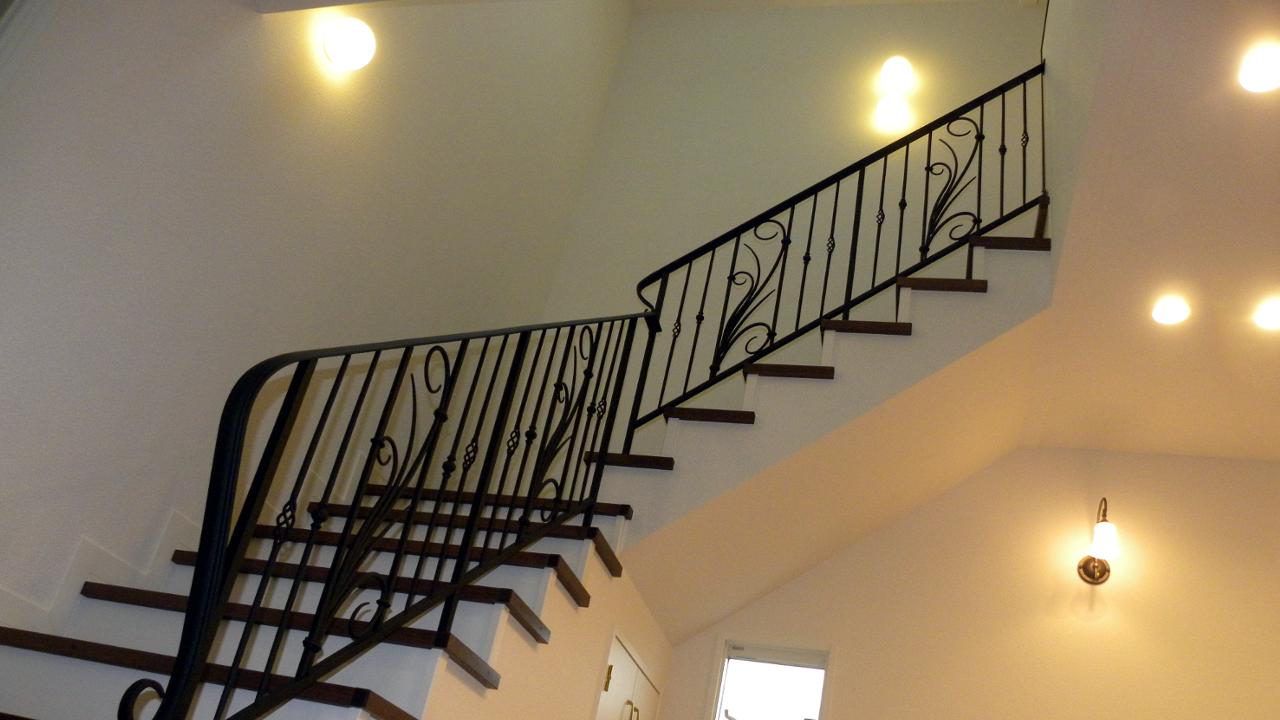 ロートアイアン階段手すり、階段手摺、アイアン手すり,全体納まり