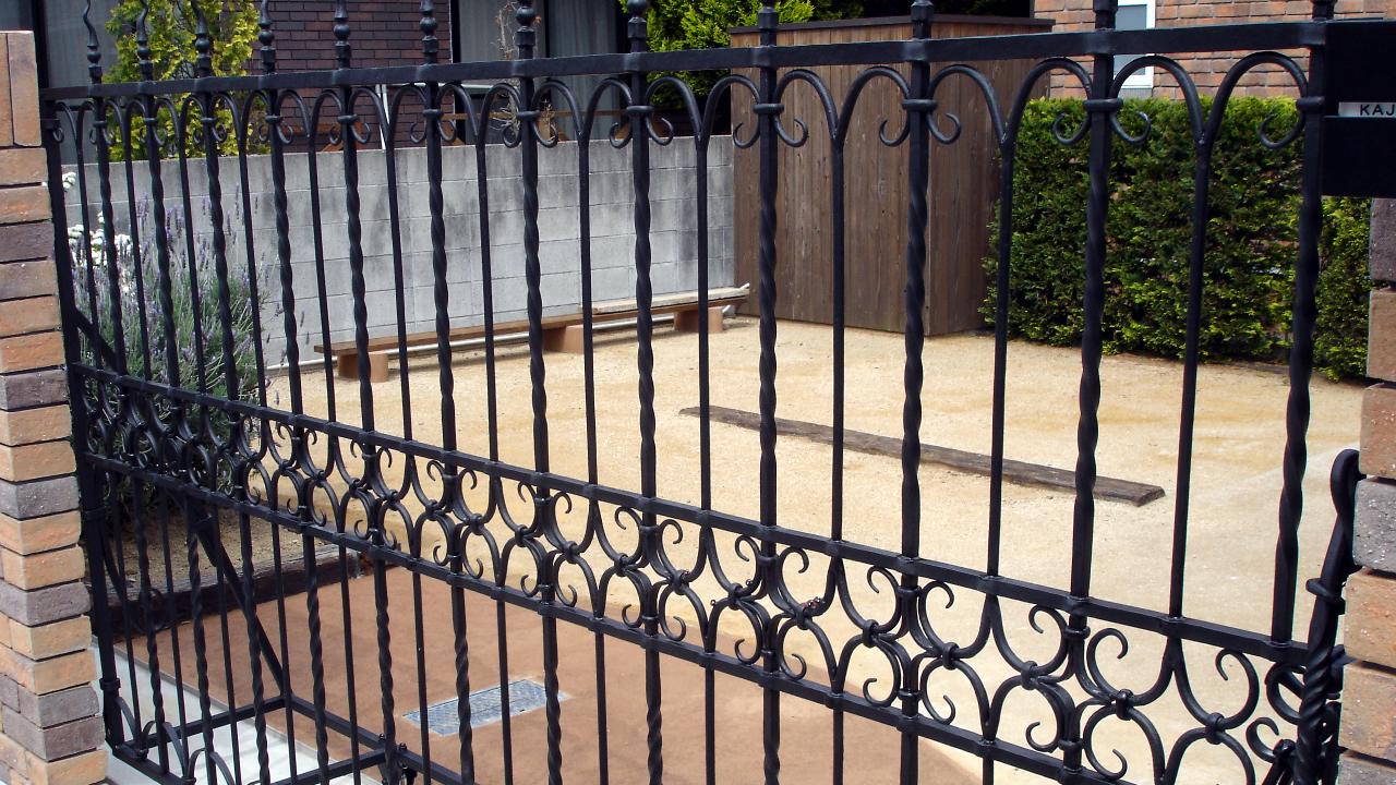 ロートアイアン門扉,アイアン引き戸,ハイグレード,重厚感,オーアダーメイド