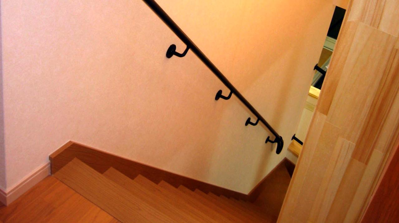 ロートアイアン手摺,下部,,セパレートタイプ,ロートアイアン手摺,壁付け手摺,アイアン.,手摺,手すり,てすり,シンプル,おしゃれ