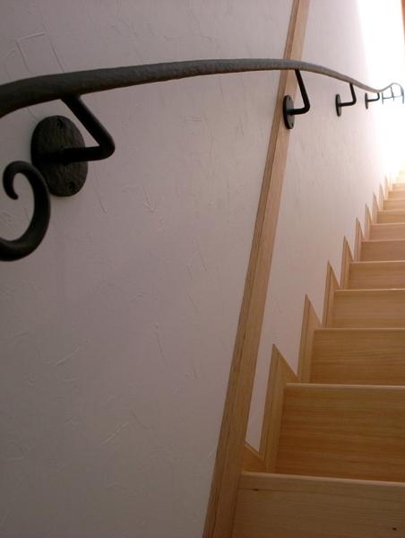 柔らかな曲線,エレガント,ロートアイアン手摺,こだわりの,階段手摺,階段手すり,階段てすり,アイアン,てすり,おしゃれ