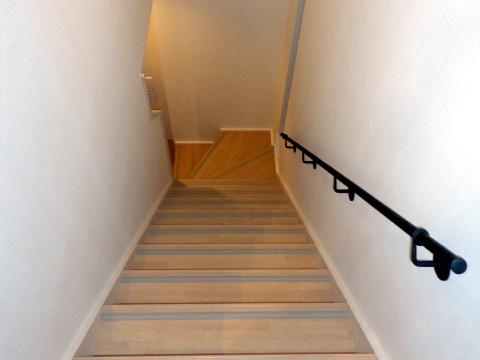 シンプル,階段手摺、壁に取り付け,収まり画像,ロートアイアン階段手摺,階段手摺,てすり,手すり,おしゃれな,かわいい,パナホーム,東京都