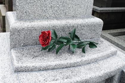 ロートアイアン,お墓,バラ飾り,ローズ,花飾り,アイアン,素敵な墓石飾り,宮崎県
