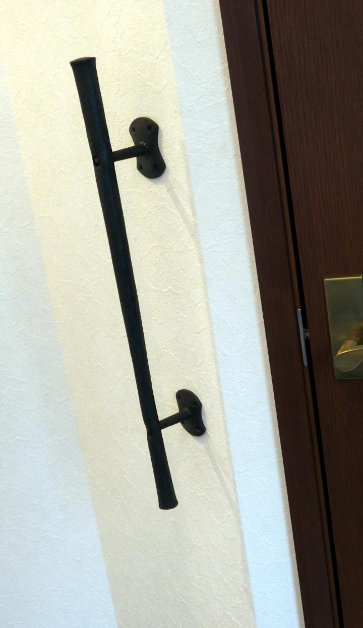 ロートアイアン玄関脇手摺,シンプル,ロートアイアン,玄関手摺,三井ホーム,手摺,手すり,手摺り,アイアン,愛媛県