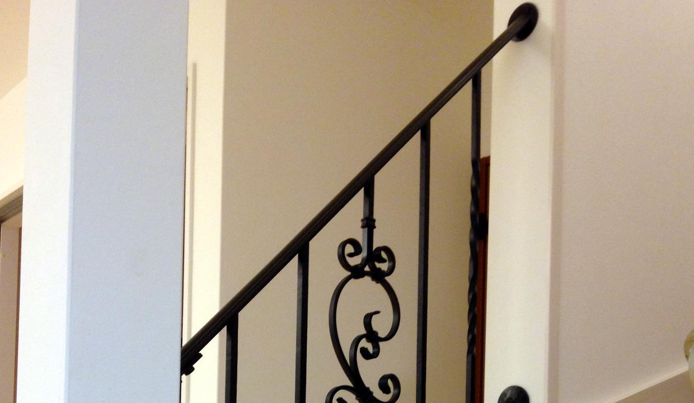 ロートアイアン階段手摺,アイアン階段手すり,おしゃれな手すり,上部