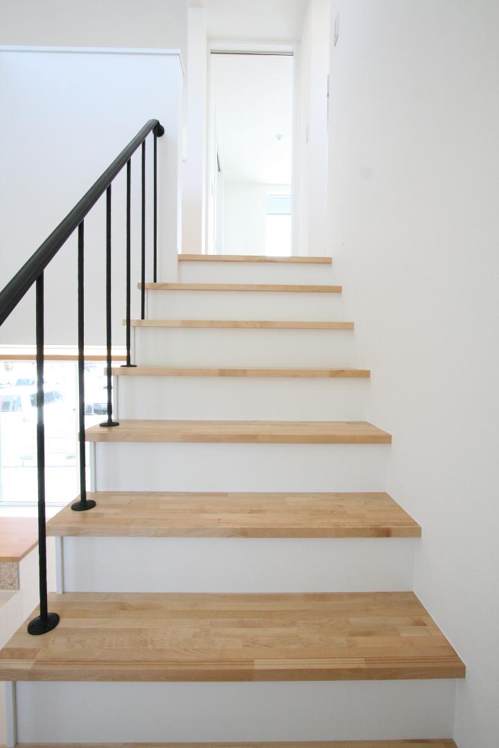 ロートアイアン階段手摺、階段側から