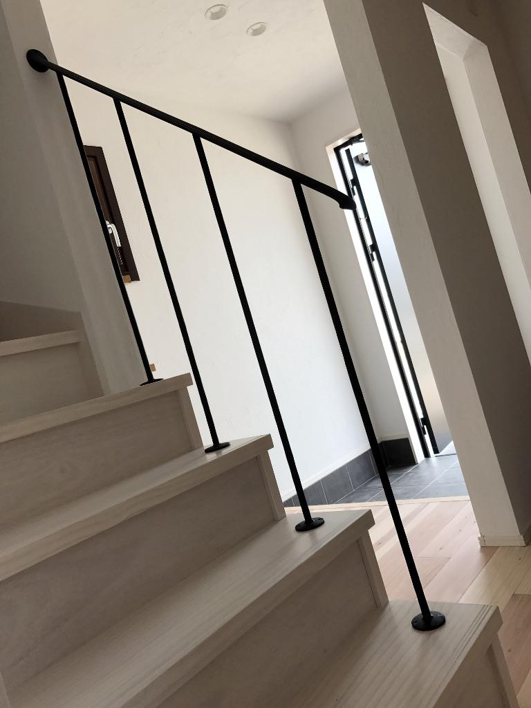 ロートアイアン階段手摺、階段周り、モデルハウス