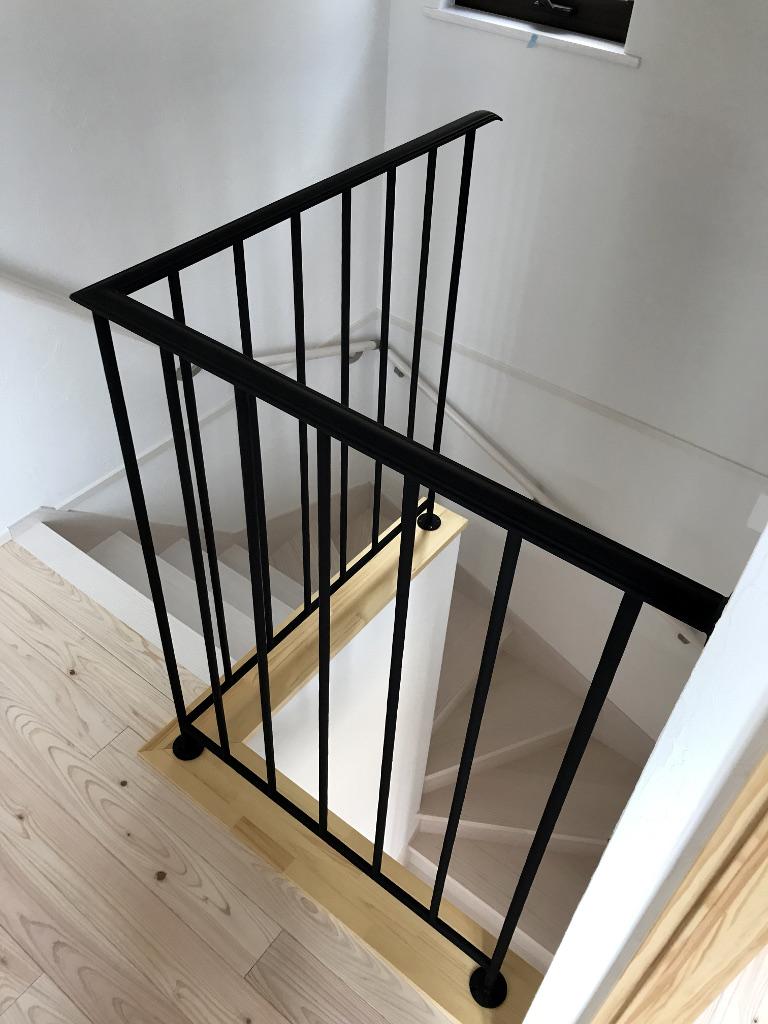 ロートアイアン手摺2階部分、階段周り、モデルハウス