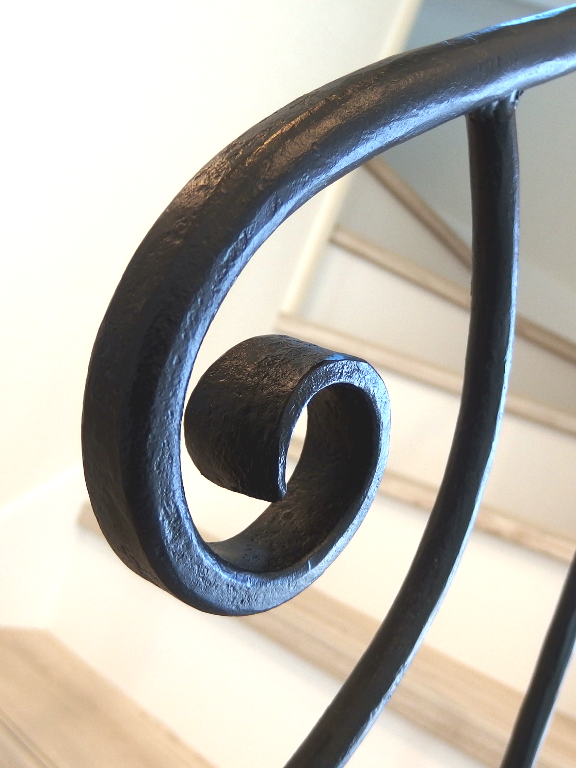 ロートアイアン階段手すり笠木