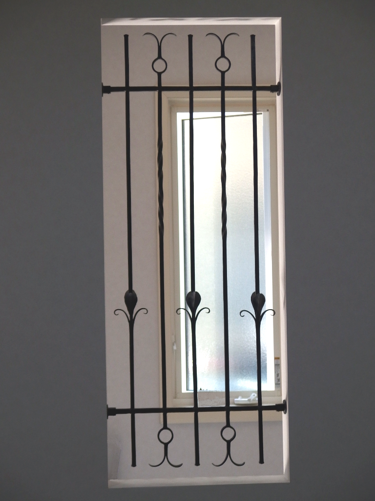 ロートアイアンの飾りフェンス